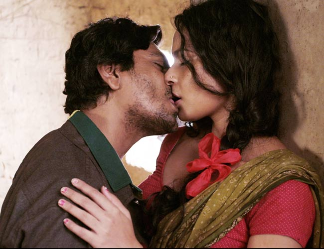 Indians don't kiss-48 cuts in film by CBFC