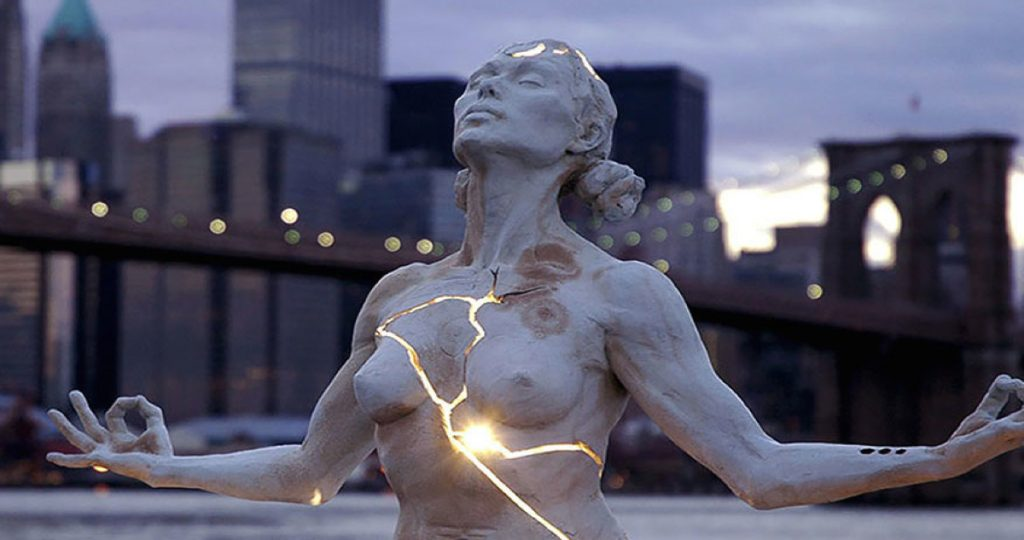 Sculptor shuts himself inside a rock